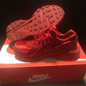 Red Nike Huarache Run
